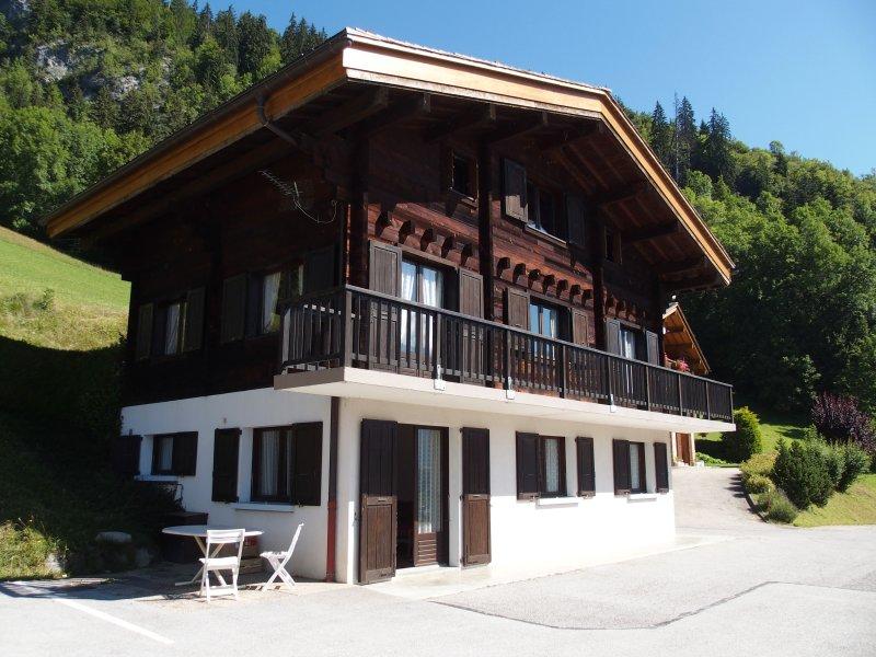 Appartement 4/6 personnes en chalet, casa vacanza a Le Grand-Bornand