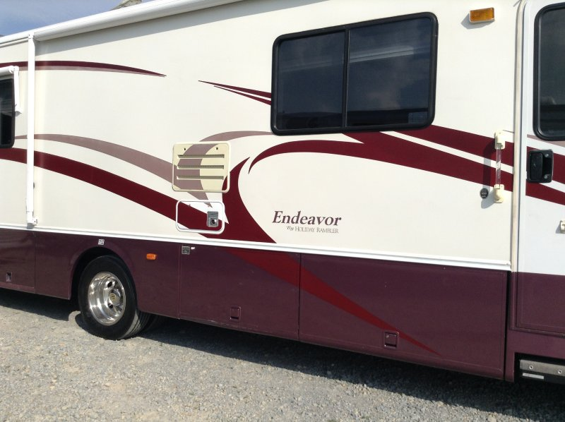 Handicap Accessible Rv For Rent Has Air Conditioning And