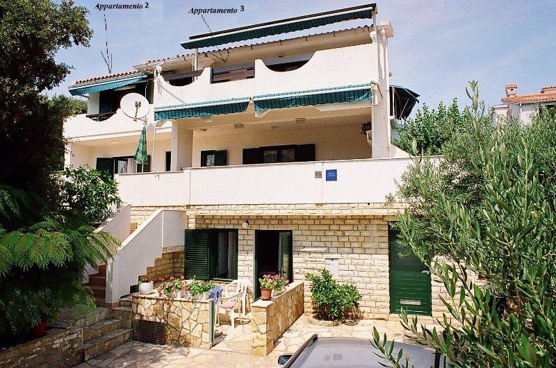 Apartment TeaTom 2+2 T, alquiler de vacaciones en Mandre