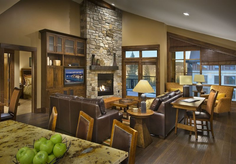 Northstar Lodge 3BR/3BA Ski-In/Ski-Out Residence, vacation rental in Truckee