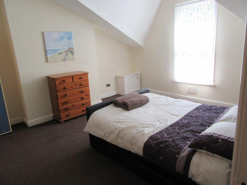 1 BED APARTMENT IN AIGBURTH, LIVERPOOL, holiday rental in Bebington