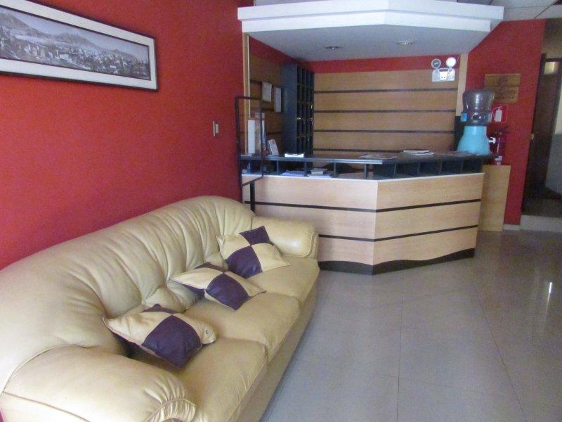 La reception e sala di attesa per i clienti e il pubblico.
