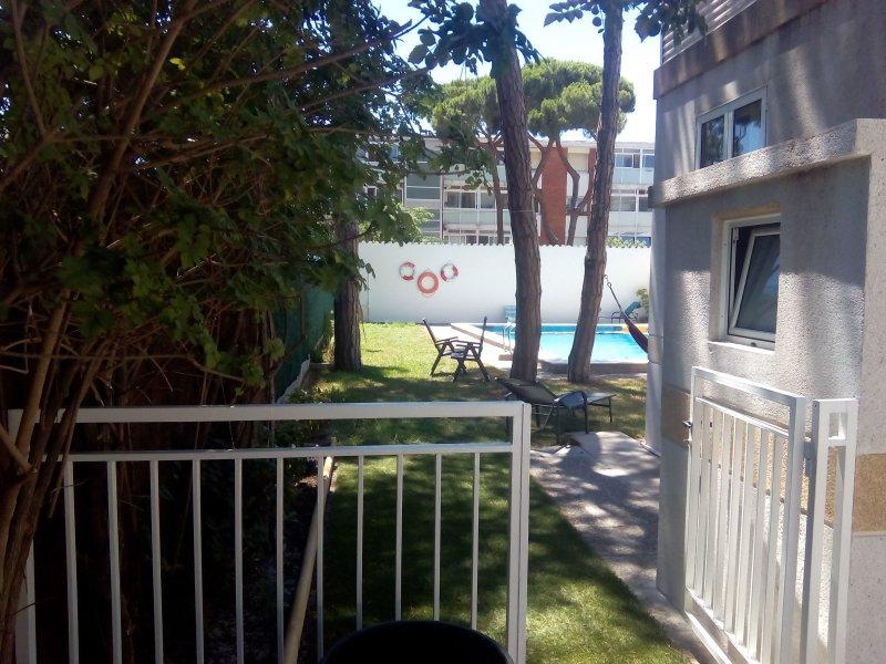 piscina no jardim