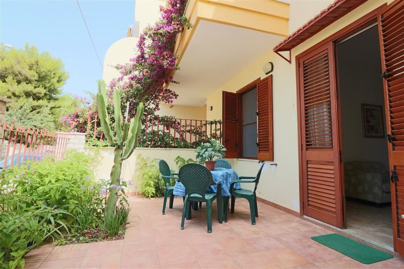 Revel holiday home in Gallipoli Lido Shells with outdoor areas and near the sea, alquiler vacacional en Lido Conchiglie