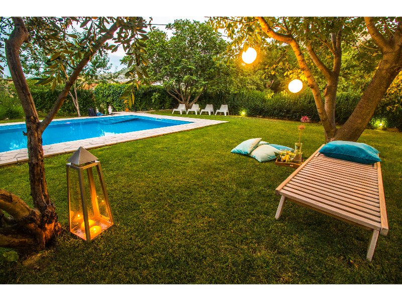 Garden and swimming pool