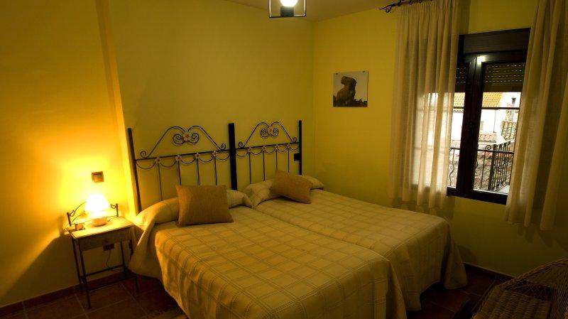 Chambre double. Deux lits de 90cm. juntas.Se peut ajouter un lit d'appoint.