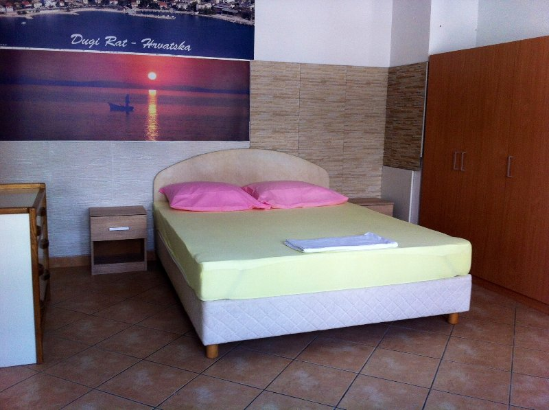 SunnyHome, holiday rental in Dugi Rat