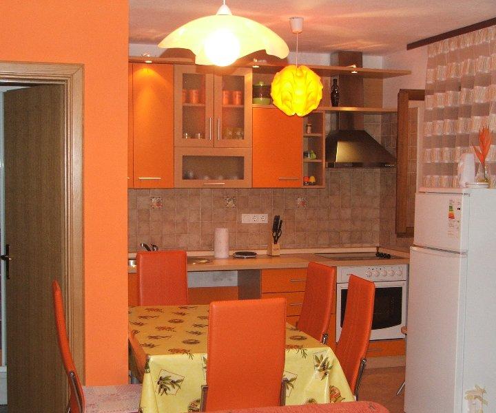 Apartment Orange, vacation rental in Njivice