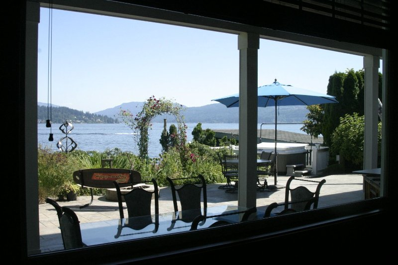 Lake Sammamish Waterfront: 20 Mins Seattle, holiday rental in Bellevue