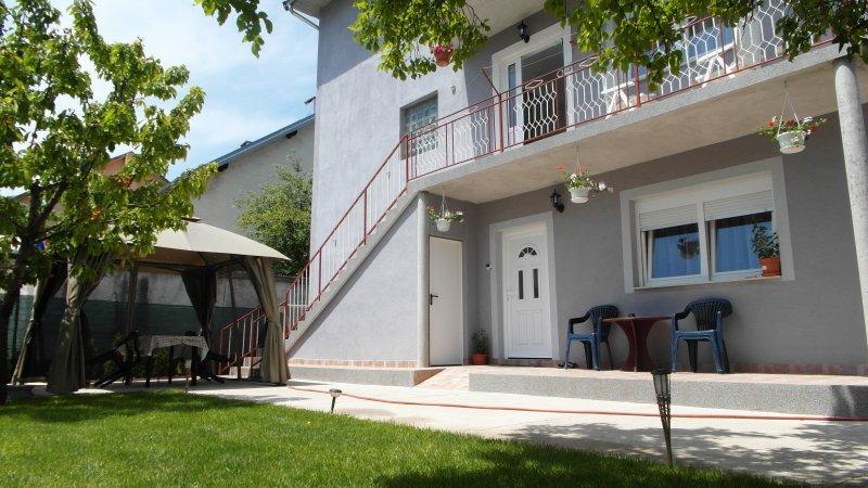 louer appart Gracac Appartement Tina