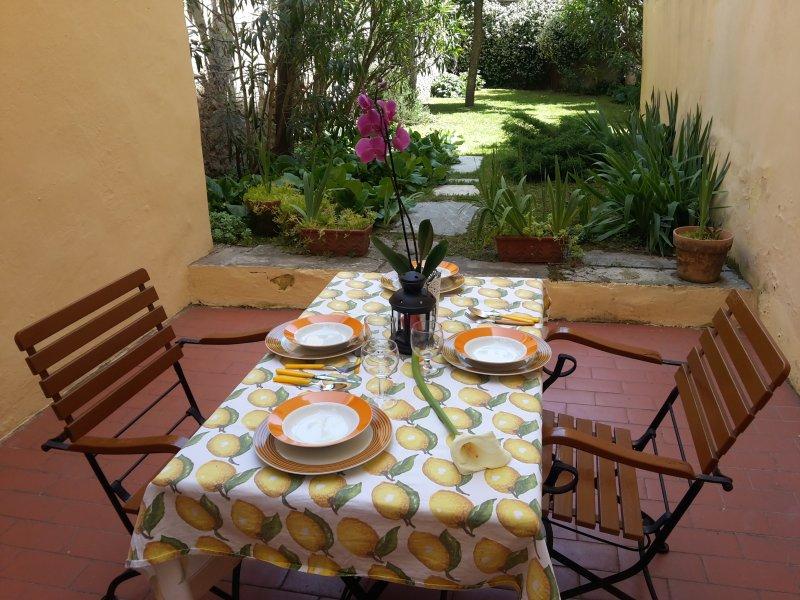 Casa in Piazza dei Ciompi con Giardino, casa vacanza a Alfiano Natta