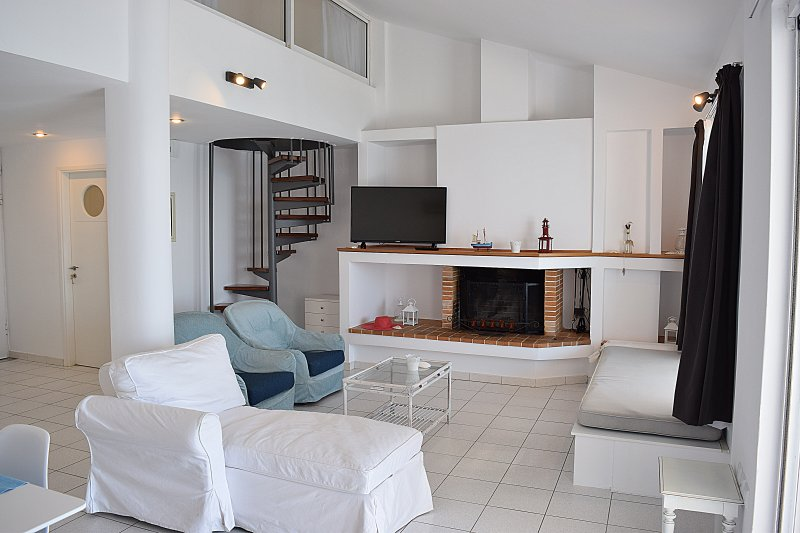 Das Wohnzimmer - Ferien Strand Loft in Kiveri Dorf in der Nähe von Nafplion