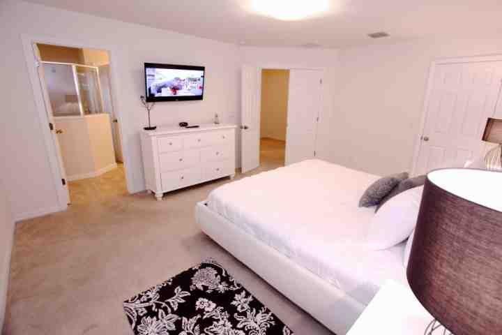 Arriba rey Master w / Habitación con baño y TV de pantalla plana - Ver # 2