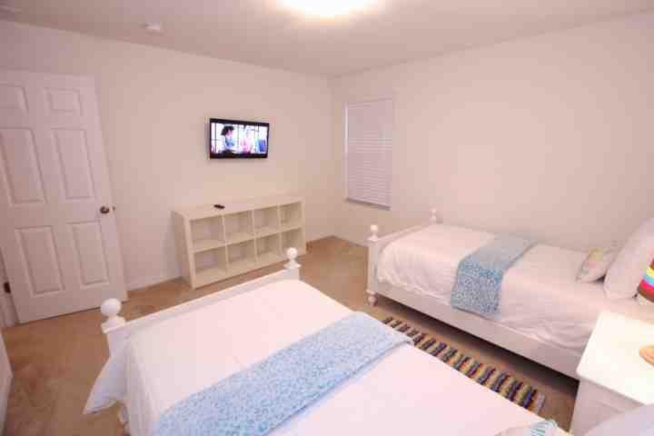 Arriba Habitación Doble # 2 w / TV de pantalla plana - Ver # 2