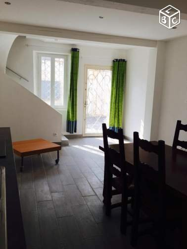 T3 75 m2 im Dorfhaus Keller 11510
