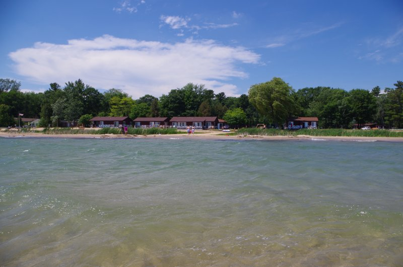 2 Bedroom, Beach Front Cottage on Lake Huron (#6), alquiler de vacaciones en Harrisville