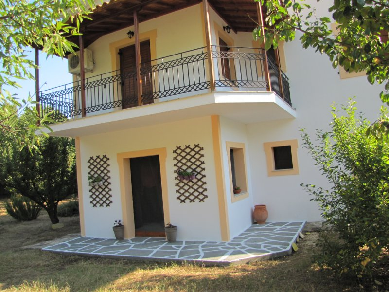 koromilia villa - Studio Apartment with Sea View, aluguéis de temporada em Sporades