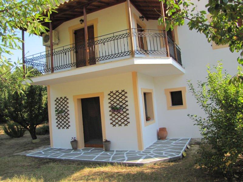 koromilia villa - Studio Apartment with Sea View, location de vacances à Sporades