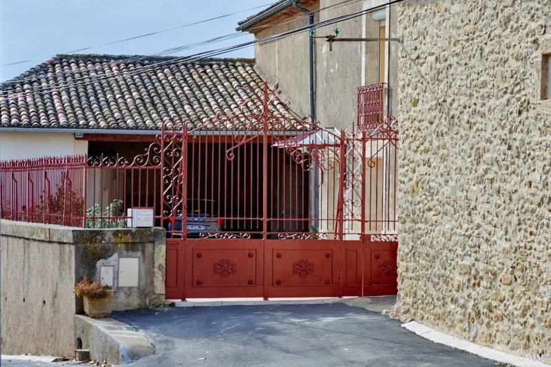 Chambre d'hôtes La Nogarède : Chambre Le Ramonetage, vacation rental in Lieuran-les-Beziers