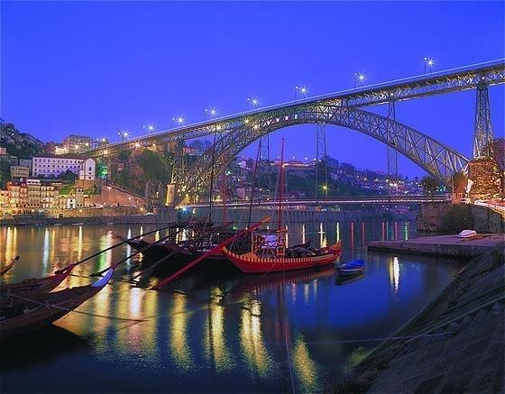 Appartement en residence fermer de 130m2 vue sur mer à 20 mm de Porto, Ferienwohnung in Vila Nova de Gaia