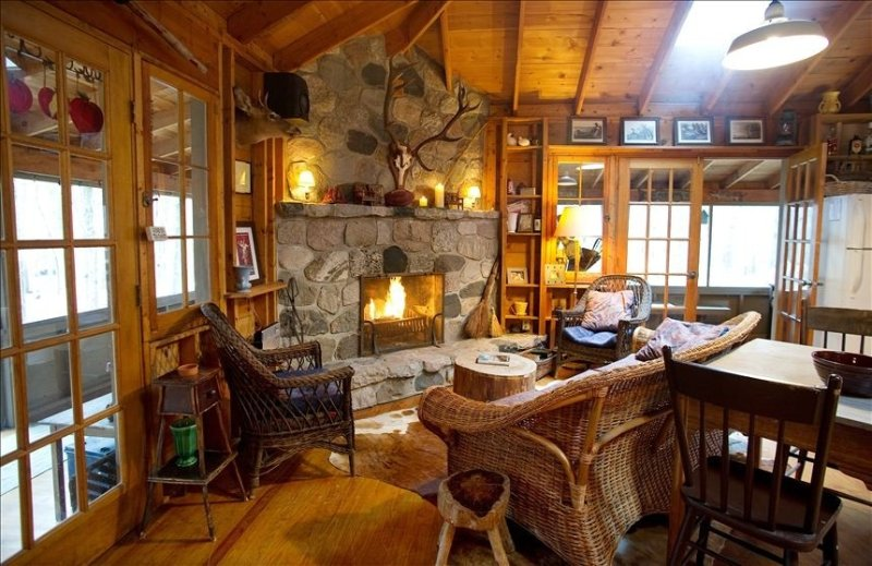 Cozy cabin within walking distance to Lake Michigan, vacation rental in Glenn