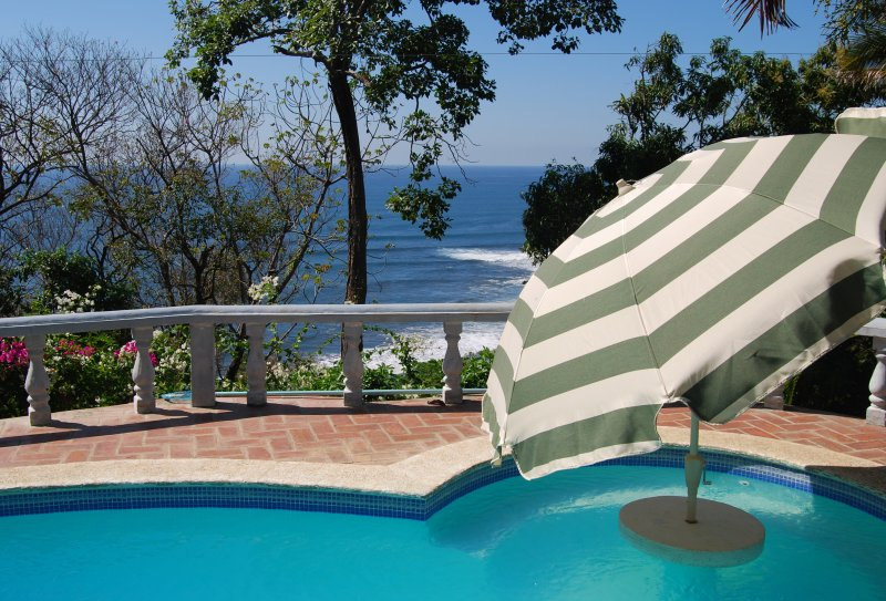 Ocean View Villa in Atami, La Libertad, holiday rental in Santa Tecla