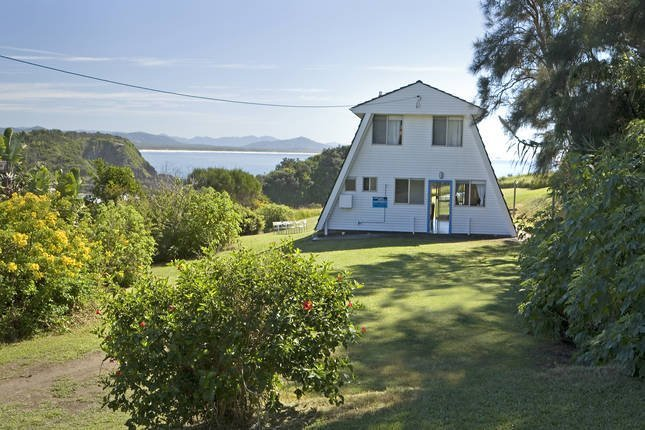 A Frame  - classic beachfront holiday home, casa vacanza a Stuarts Point