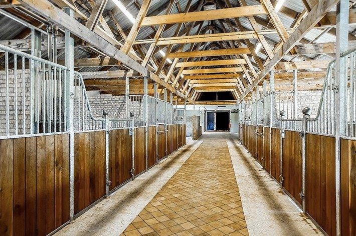 cheval Logement, boxplatser à louer