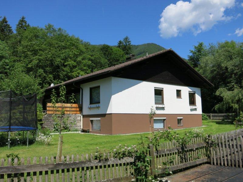 Exklusives Ferienhaus (175qm) für bis zu 6 Pers., holiday rental in Prien am Chiemsee