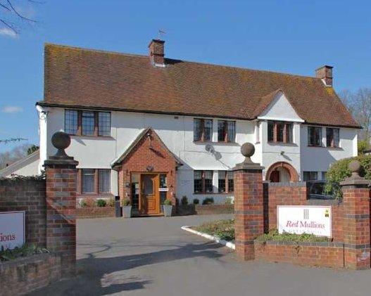 Red Mullions Guest House Double Ensuite Room 1, aluguéis de temporada em Oxford