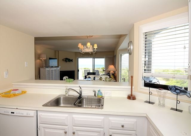 Station One Townhome 16 - Kitchen