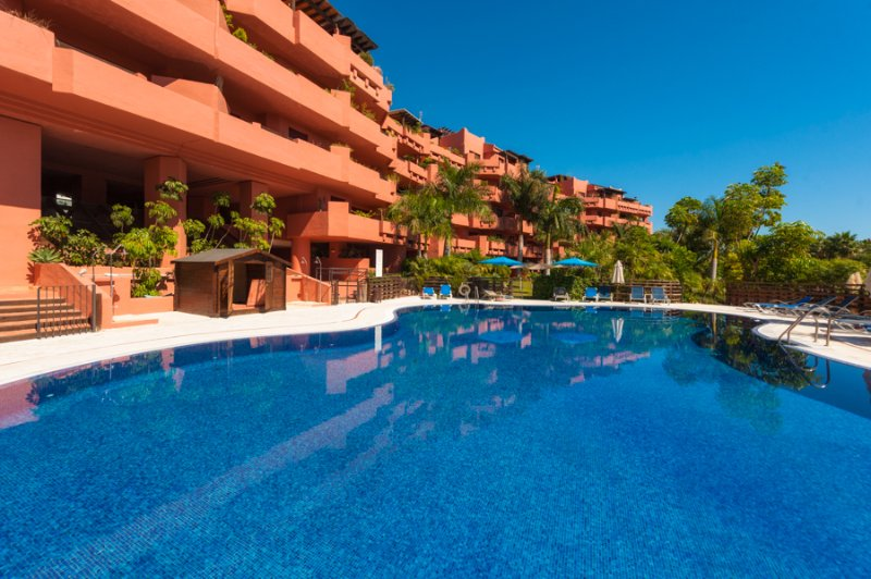 LAS NAYADES, LUXURY APARTM 100 METERS FROM BEACH, location de vacances à Estepona