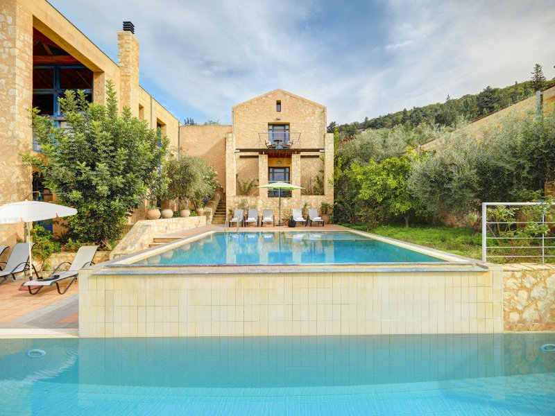 Artemis Apokoron Luxury Villas, vacation rental in Gavalohori