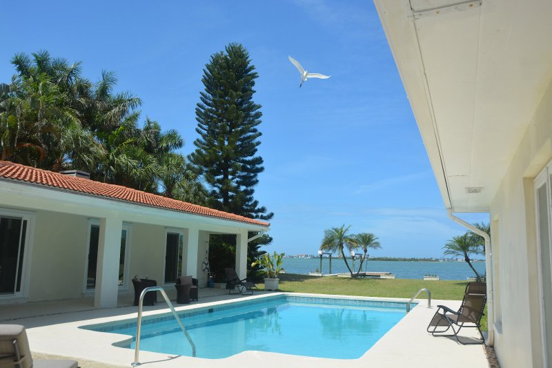 Perfecto's Retreat Unit #1, holiday rental in Kenneth City