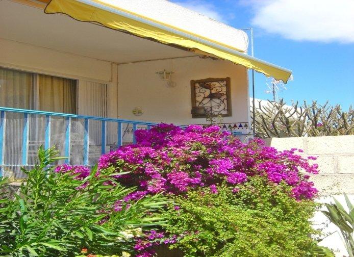 Casa La Isla 2 - privates Ferienhaus mit kleinem privatem tropischem Gaten, location de vacances à Buzanada