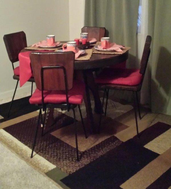 Dining set.