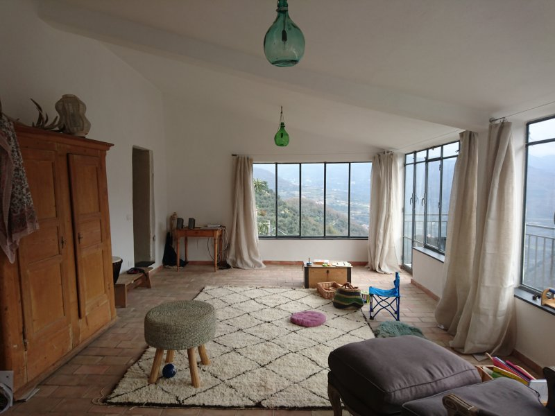 Rustic, modern stone house with panoramic views, vacation rental in Pieve di Teco