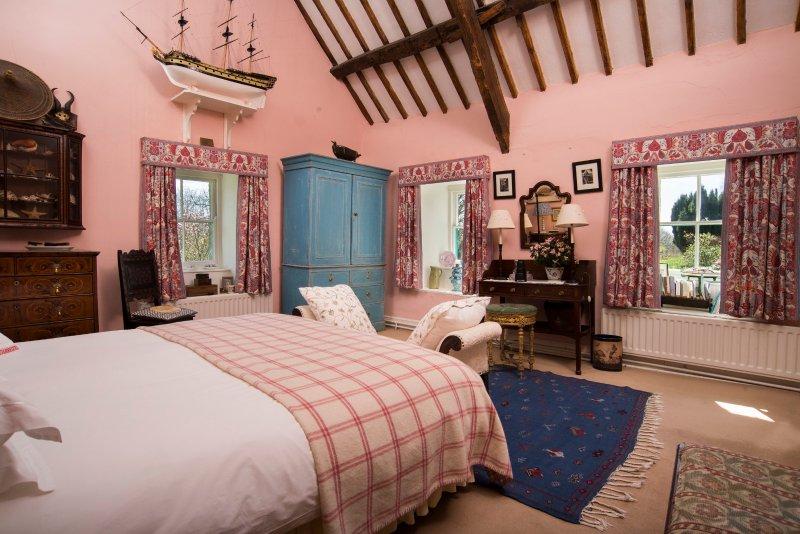 Master Bedroom - Wow!
