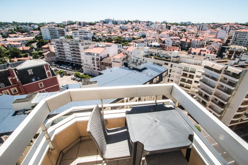 biarritz, dernier étage au victoria surf +terrasse, location de vacances à Pyrenees-Atlantiques