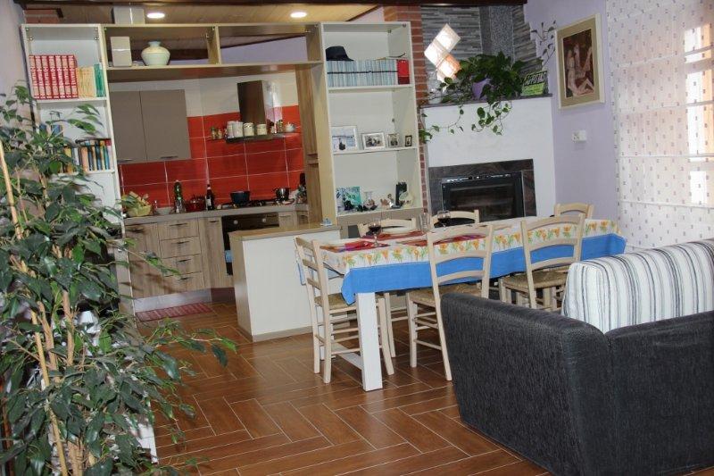 Posada. Mare e storia, holiday rental in Posada