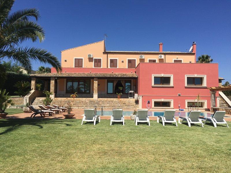 Villa Maremonti, holiday rental in Cassaro