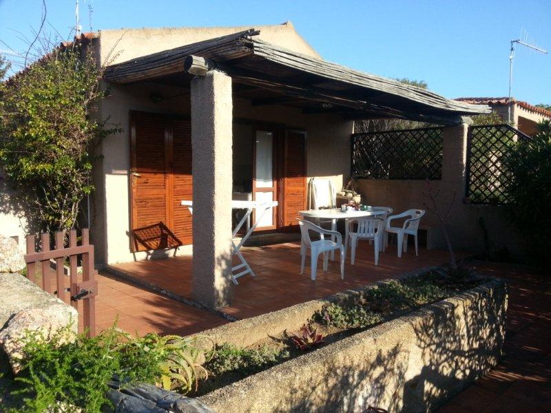 Palau Vecchio Marino 1 bilocale con patio, holiday rental in Palau