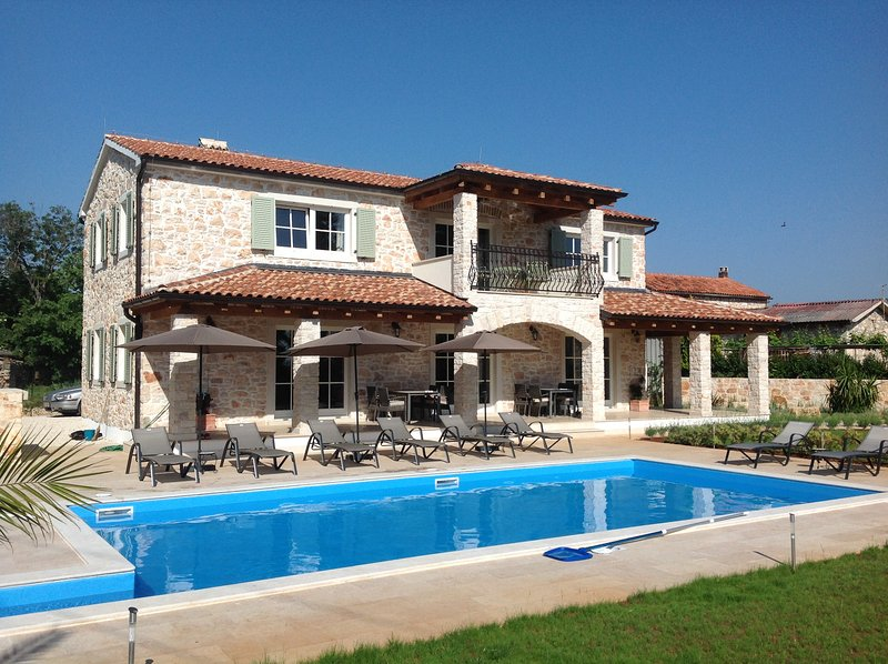 Villa Margarethe luxury accommodation, location de vacances à Fiorini