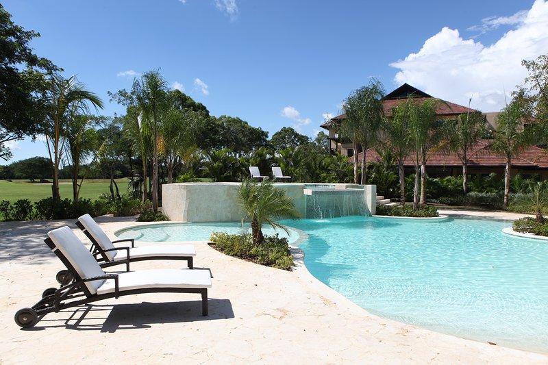 Condo's Pool