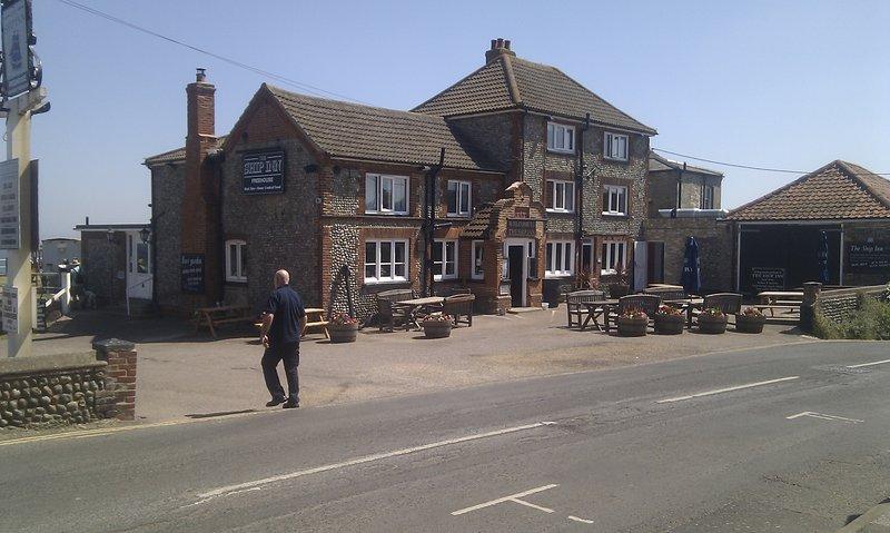 Mundesley Ship Inn, good food and ale!!