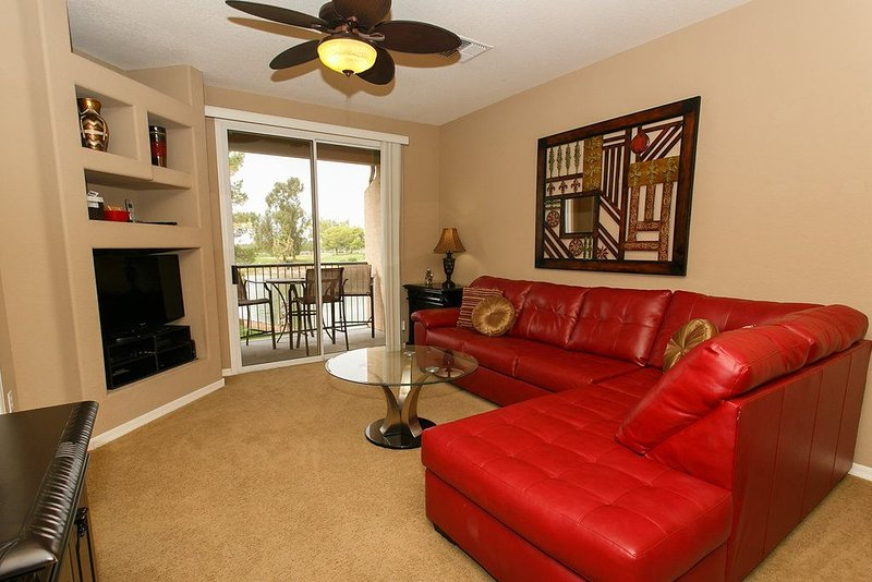 Beautiful Two Bedroom Condo In Superstition Lakes, vacation rental in Mesa