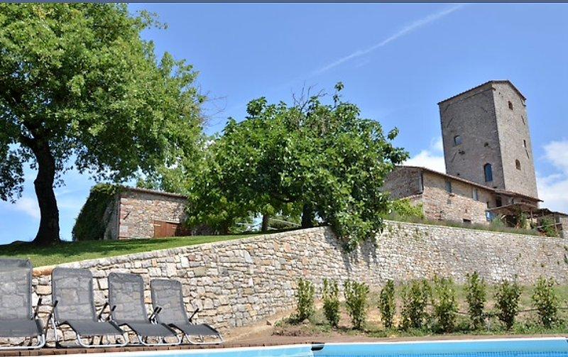 Torre di Cancelli - luxury villa in Chianti!, alquiler de vacaciones en Gaiole in Chianti