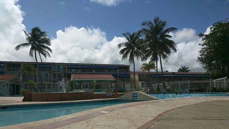 Walk to Beach,Golf, Pool in Beautiful Dorado Beach, holiday rental in Toa Baja