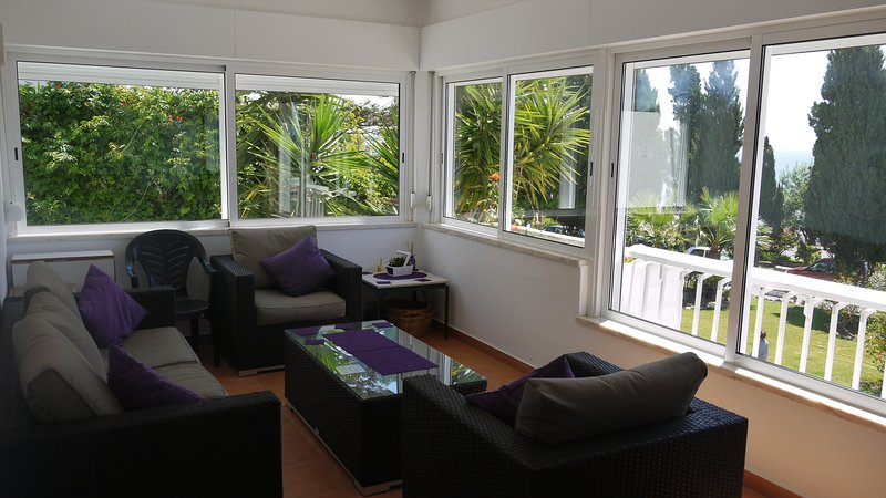 Spacious Sea View Apartment, holiday rental in Albufeira