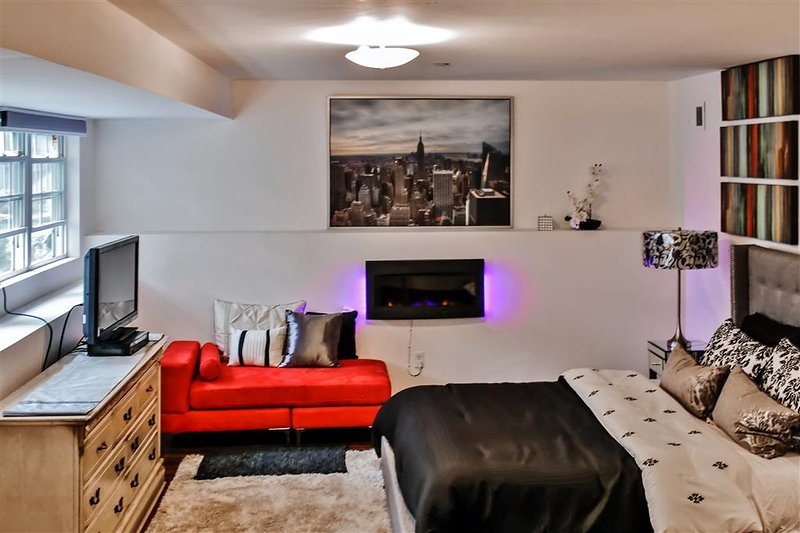 Let this stylish Staten Island vacation rental studio condo serve as your home base for exploring New York City!